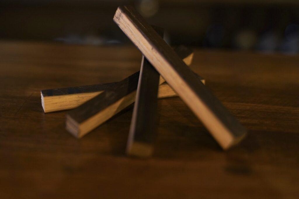 高級ウイスキーなどに使用されるミズナラの樽の木